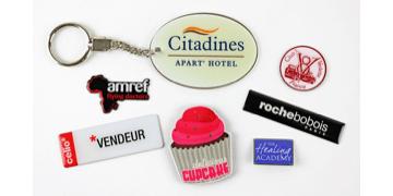 Badges imprimés en métal